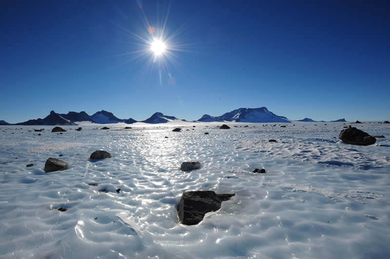 antarctic landscape photo - 13