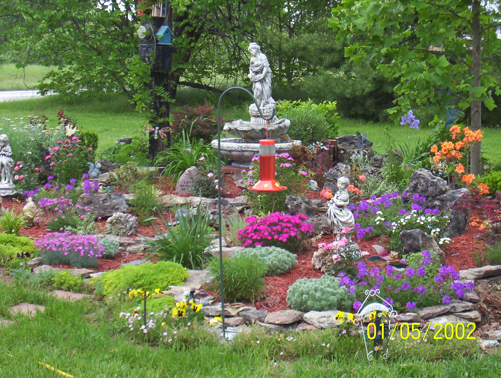 free landscaping photo - 1