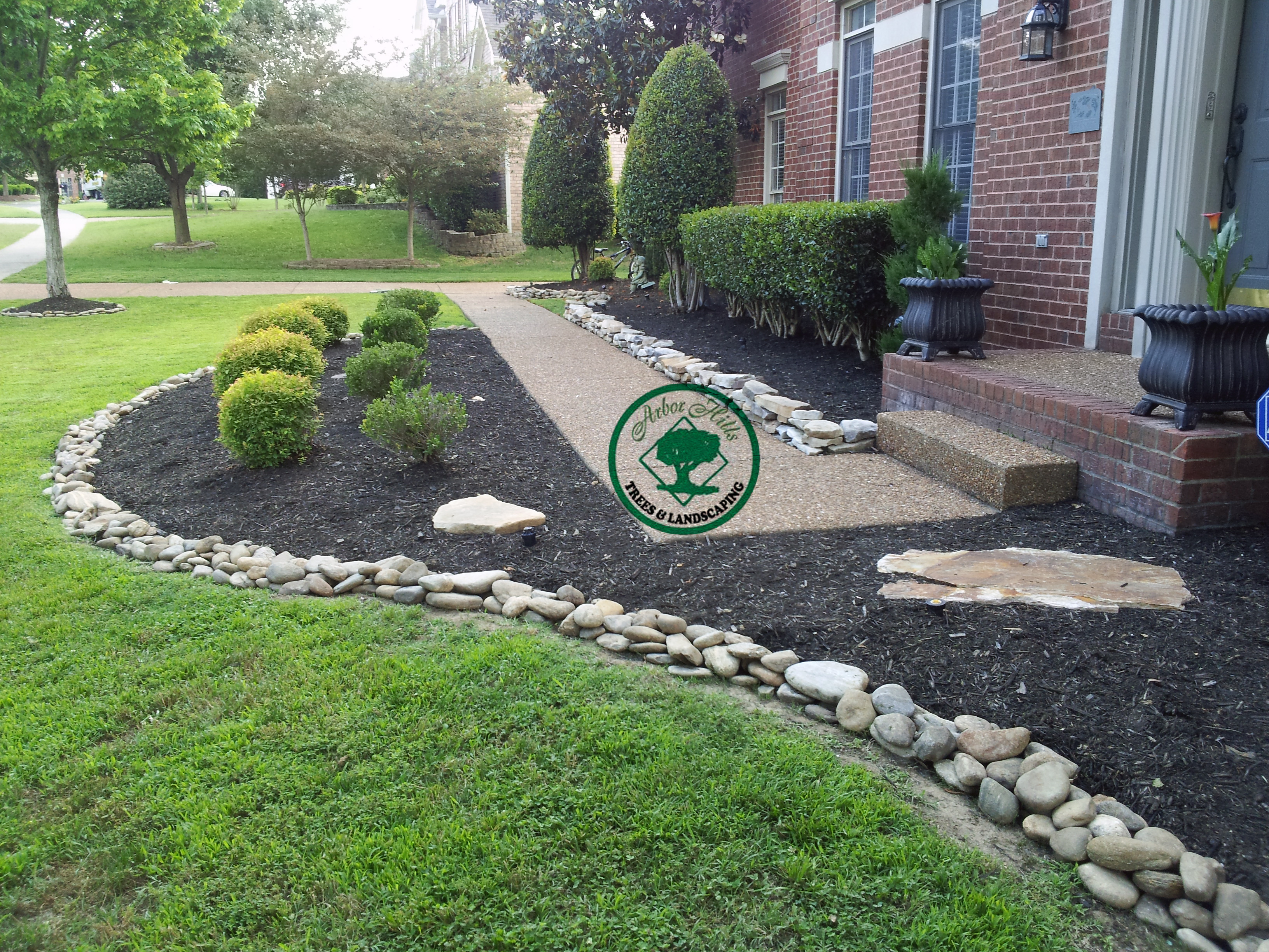 inexpensive landscaping photo - 7