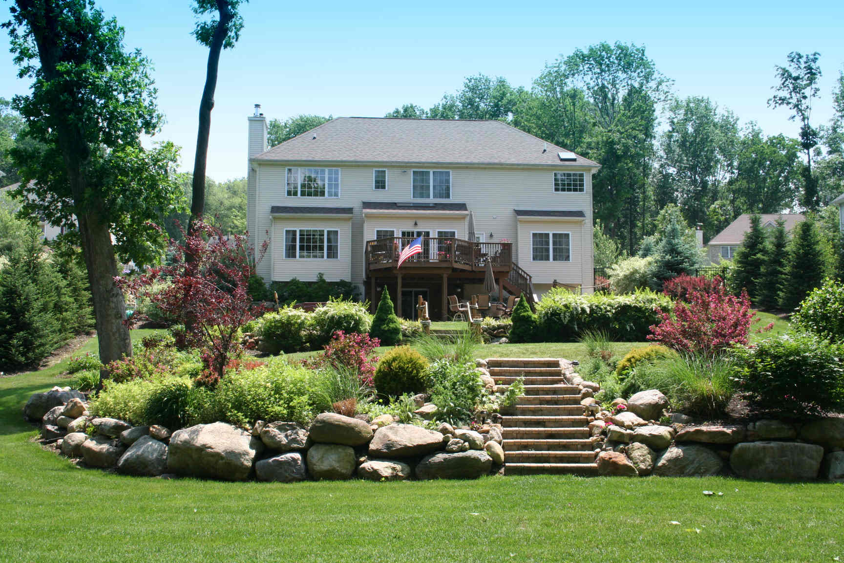 lake landscaping photo - 11