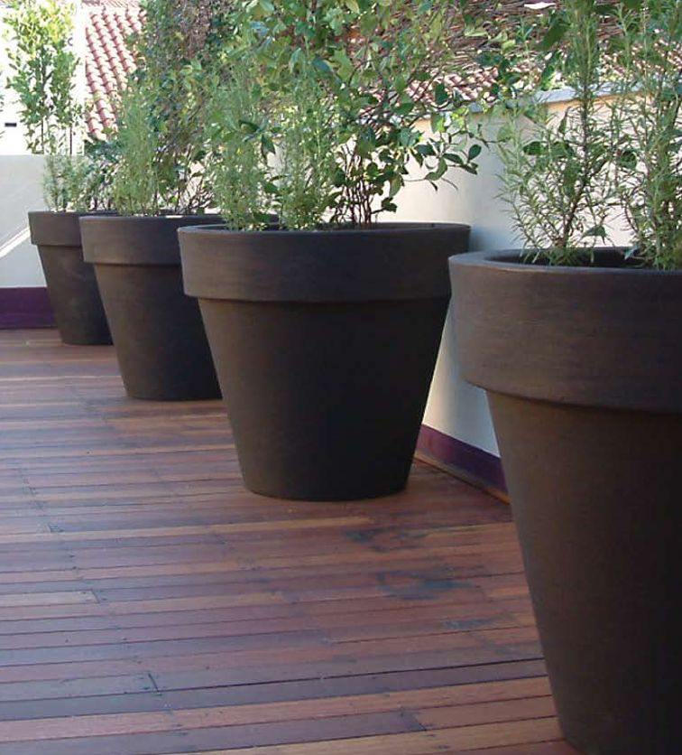 large landscaping pots photo - 16