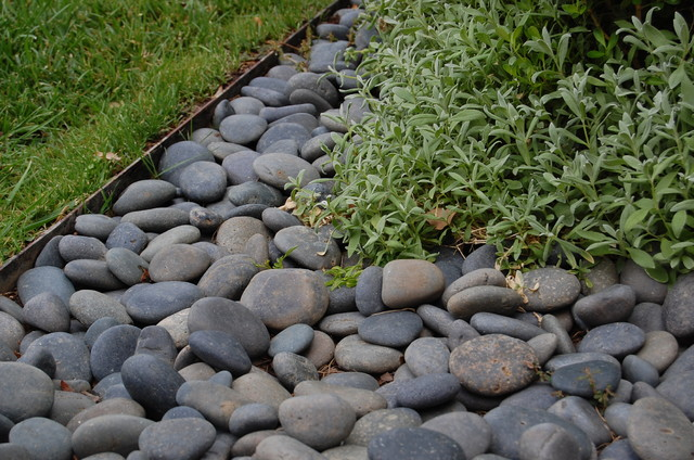 metal landscaping edging photo - 5
