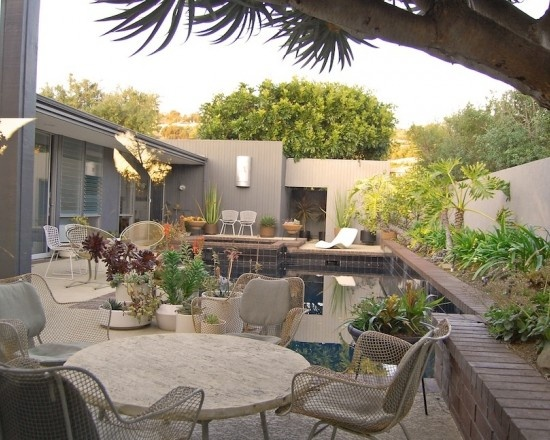 porch landscaping photo - 6
